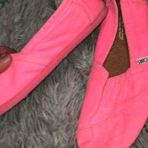 Hot pink toms